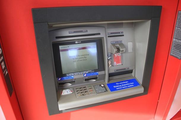 Credit Agricole: bezpłatne bankomaty za granicą