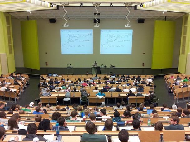 Studia podyplomowe coraz bardziej popularne wśród młodych absolwentów