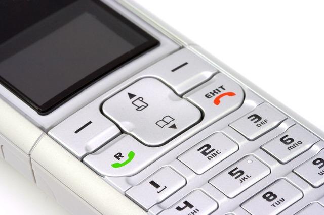 8 powodów na rzecz stacjonarnej telefonii w firmie