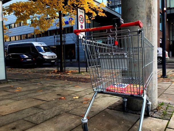 Sieci handlowe będą zamykać najsłabsze sklepy