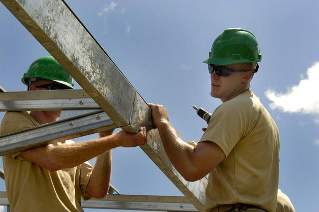 Za granicą pracuje ponad 2,5 mln Polaków